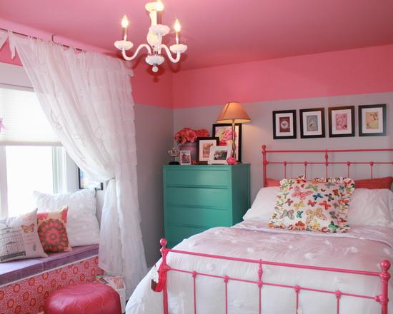 粉色代表着甜美、纯真、可爱,是女孩们的心头挚爱。而这种魅力的色系独属女生专有,把卧室装扮出粉色味道,浓浓浪漫情调扑面而来。  小编的话:浅山茶色的浅色背景墙让粉嫩的同时多了一份淡泊之意,吊顶装修光线柔和,躺下时,面对烂漫的翩翩舞蝶,让蝴蝶飞入缤纷清梦。  小编的话:这间女孩卧室在一片温馨中透露着精巧,卧室里的飘窗也精心布置,白色褶皱的落地窗帘增添了卧室的唯美情调。