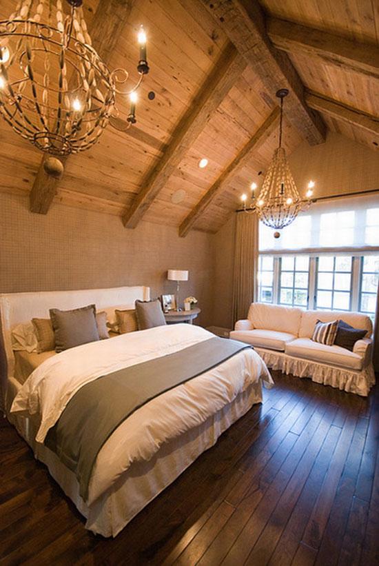 深色的木地板让房间有着脚踏实地安稳感觉